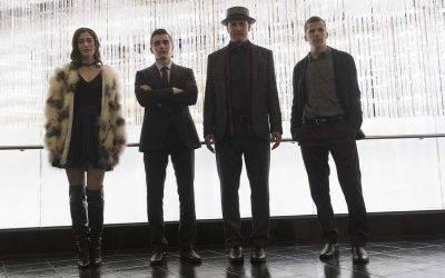 """Lizzy Caplan, Dave Franco, Woody Harrelson y Jesse Eisenberg interpretan al grupo de magos conocidos como """"Los cuatro jinetes"""""""