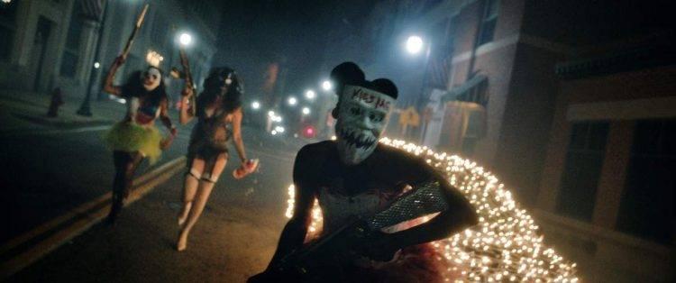"""No hay duda. En la noche de """"La purga"""" salen a la calle un montón de descerebrados"""