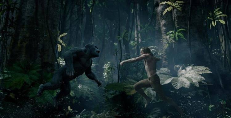 Alexander Skarsgård luchando contra un gorila
