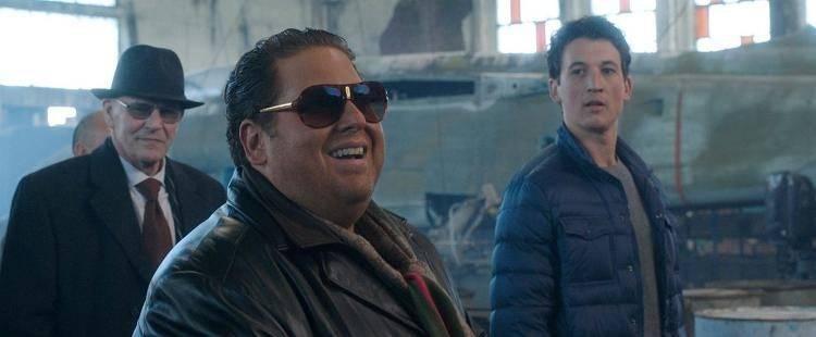 """Miles Teller es David Packouz y Jonah Hill es Efraim Diveroli en """"Juego de Armas"""""""