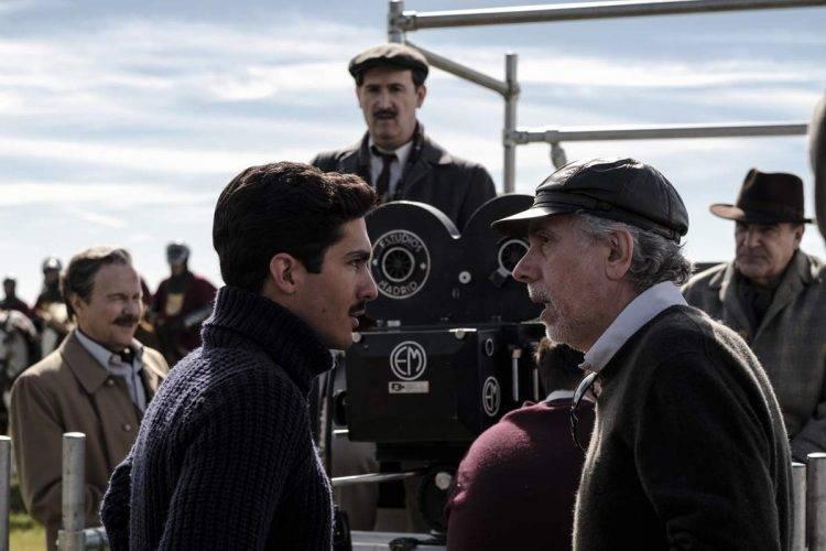 """Chino Darín con el director de """"La Reina de España"""", Fernando Trueba y al fondo Javier Cámara."""