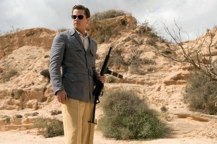 """Fotograma de Brad Pitt en la película """"Aliados"""""""
