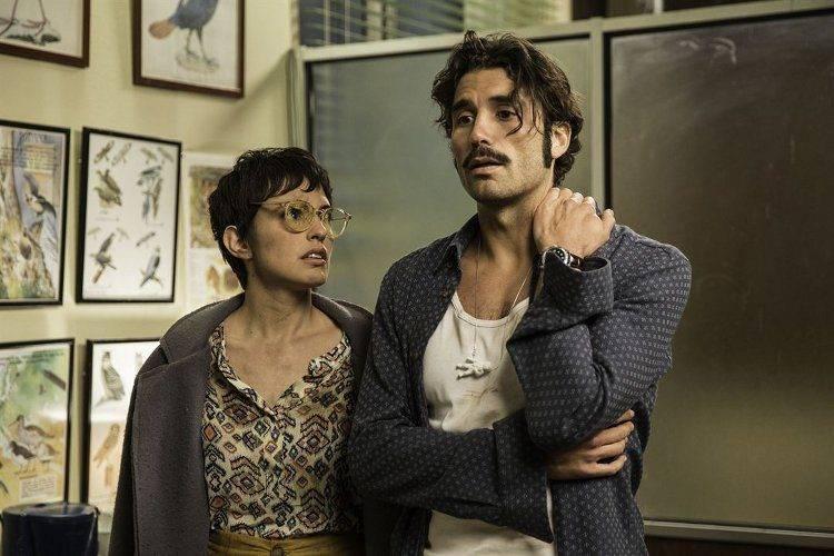 Álex García y Verónica Echegui en una de las situaciones embarazosas de la cinta