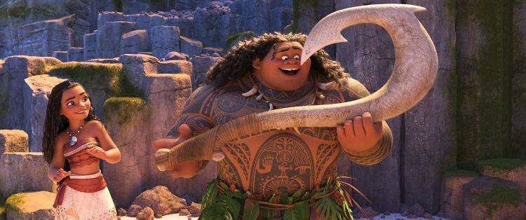 Maui tiene un anzuelo mágico que le permite cambiar de forma.