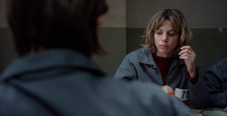 Justina Bustos interpretando a Liliana en la cárcel