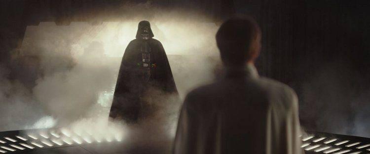 Un momento, ese es... Darth Vader