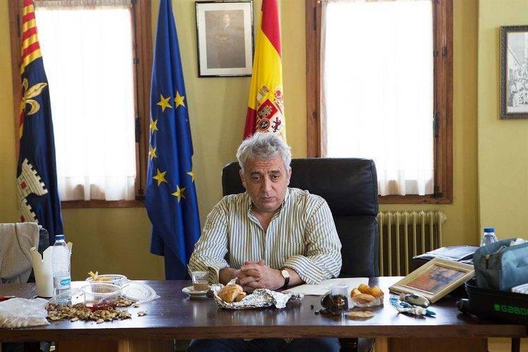 Leo Harlem interpreta al alcalde conservador corrupto de Villaviciosa de al lado