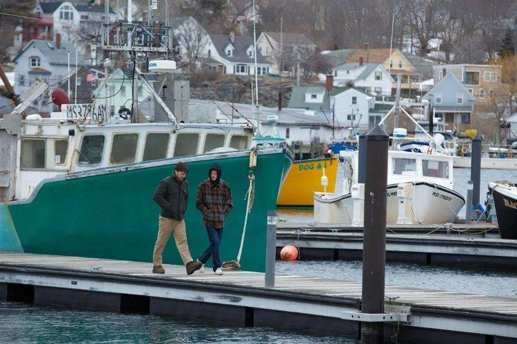 Casey Affleck y Lucas Hedges en una escena de Manchester frente al mar