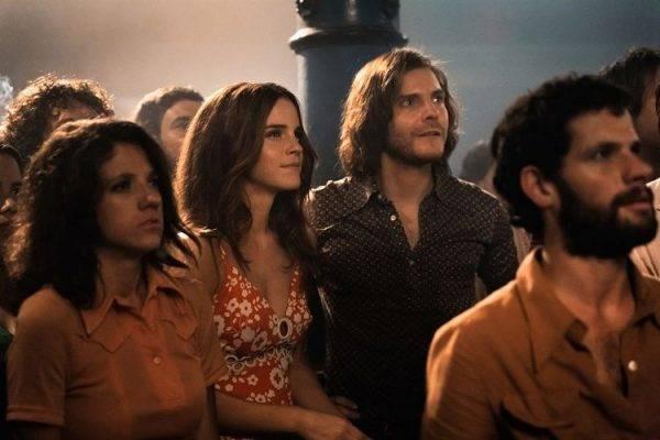 Daniel Brühl y Emma Watson son los protagonistas de la película Colonia