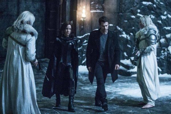 Kate Beckinsale y Theo James son la pareja Underworld: guerras de sangre