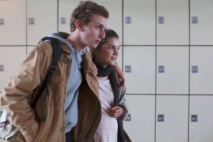 Galatéa Bellugi y Kacey Mottet Klein se quedan embarazados