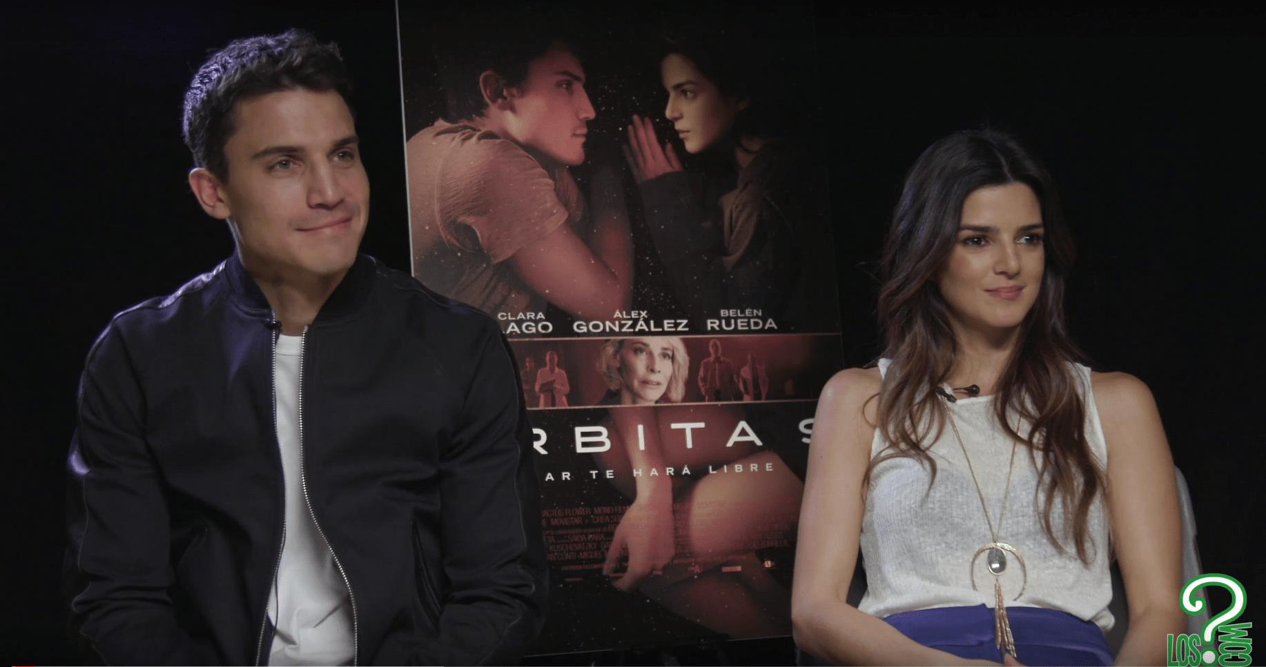 Clara Lago y Álex García durante la entrevista a Los Interrogantes
