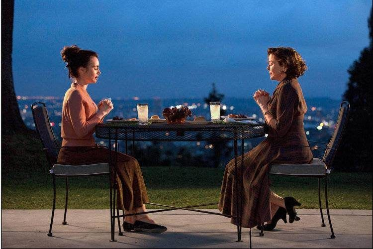 Annette Bening y Lily Collins, son madre e hija