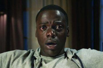 Daniel Kaluuya se queda con esta cara al descubrir las intenciones de los padres de su chica