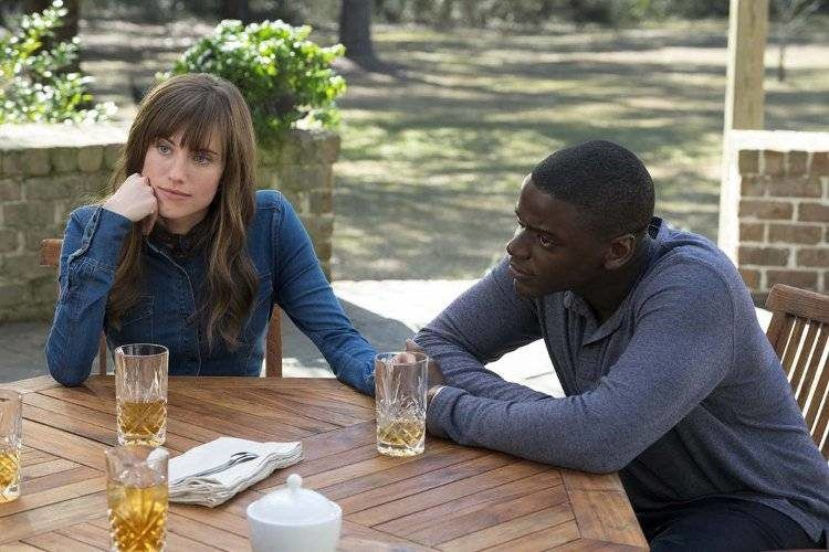 Allison Williams y Daniel Kaluuya son la parejita ideal