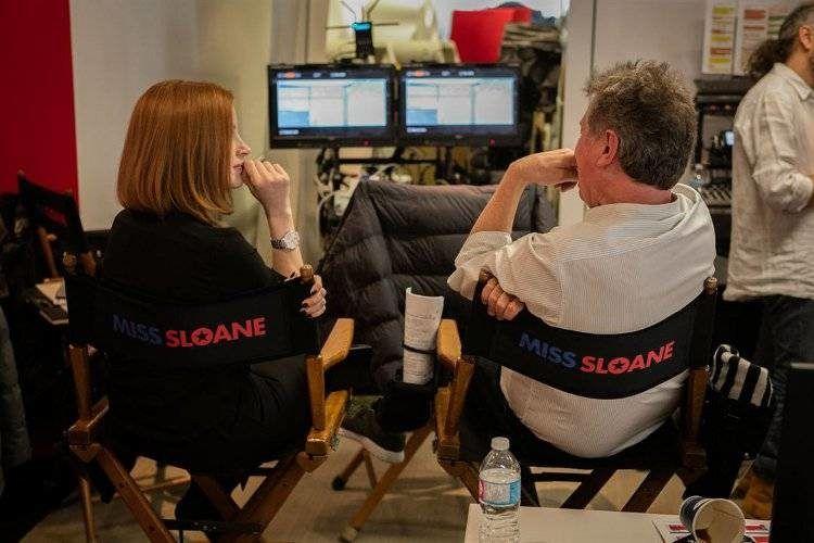 Jessica Chastain y el director John Madden en el rodaje