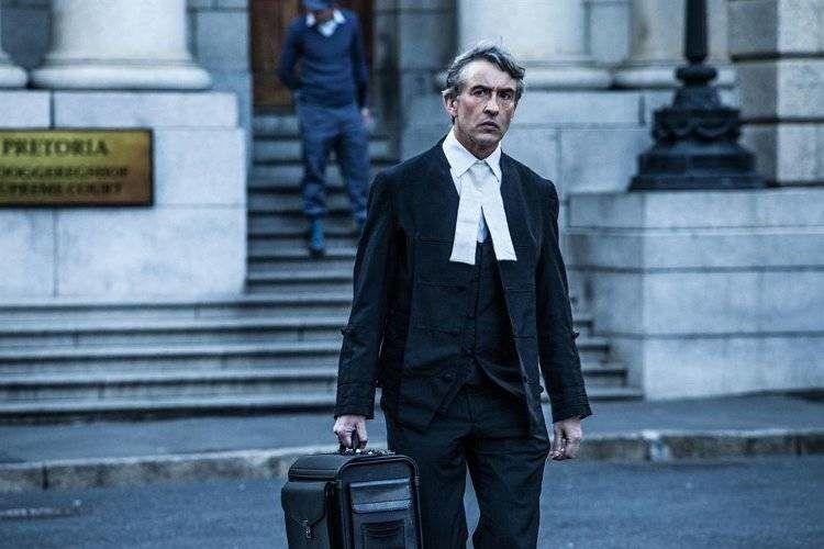 Steve Coogan es Jon Weber, el abogado defensor