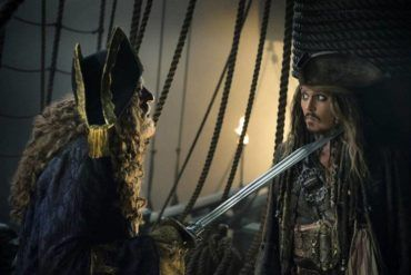 Johnny Depp y Geoffrey Rush en 'Piratas del Caribe: La venganza de Salazar'