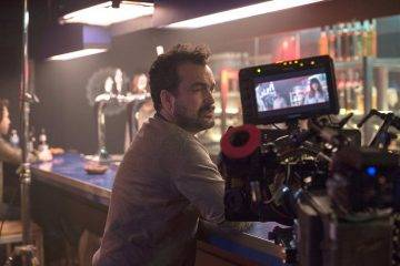 Nacho Vigalondo durante el rodaje de Colossal
