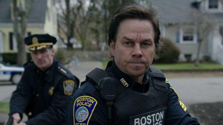 """Mark Wahlberg es uno de los policías Mark Wahlberg es uno de los policías encargados del caso en """"Día de patriotas"""" del caso"""