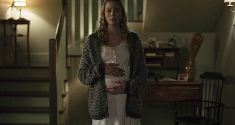 Rachel Nichols embarazada en la película de terror