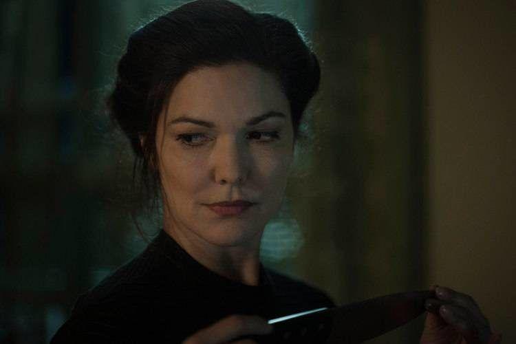 """Laura Harring interpreta a """"La mujer"""" en la película de terror """"Inside""""."""