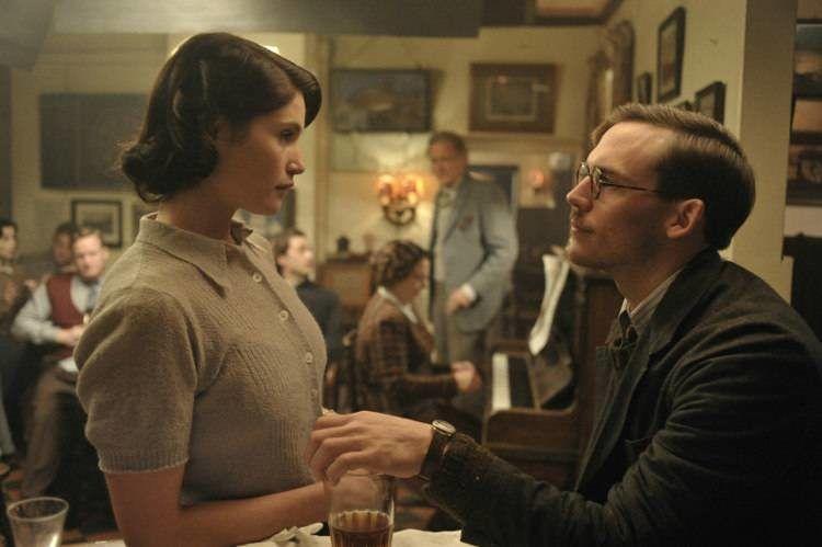 Gemma Arterton y Sam Claflin en una escena de la película