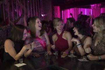 Ilana Glazer, Jillian Bell, Kate McKinnon, Scarlett Johansson y Zoë Kravitz de despedida de soltera