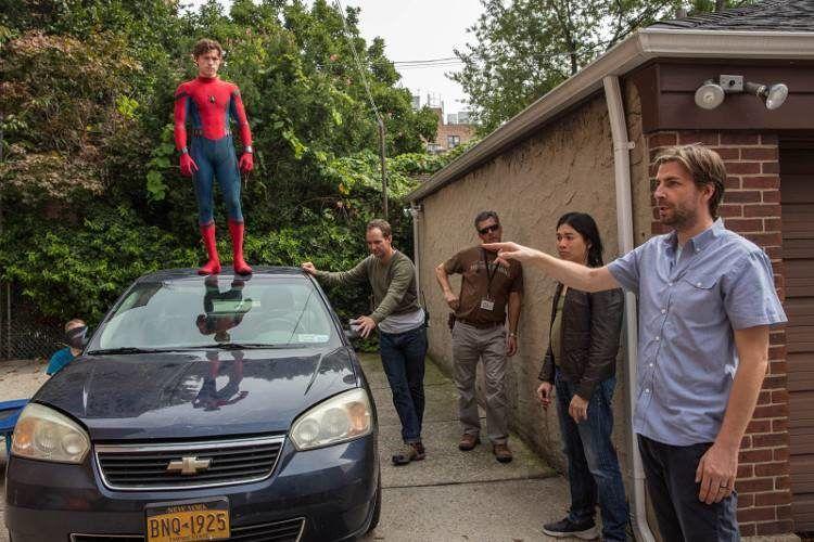 """Jon Watts y Tom Holland en el rodaje de """"Spider Man Homecoming"""""""