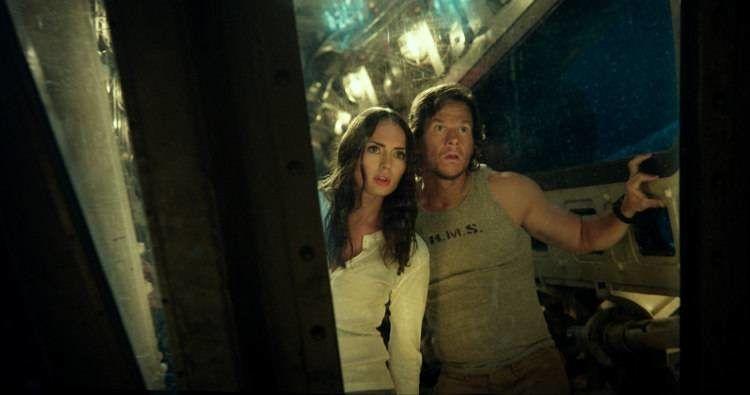 """Laura Haddock y Mark Wahlberg en """"Transformers 5: El último caballero"""""""