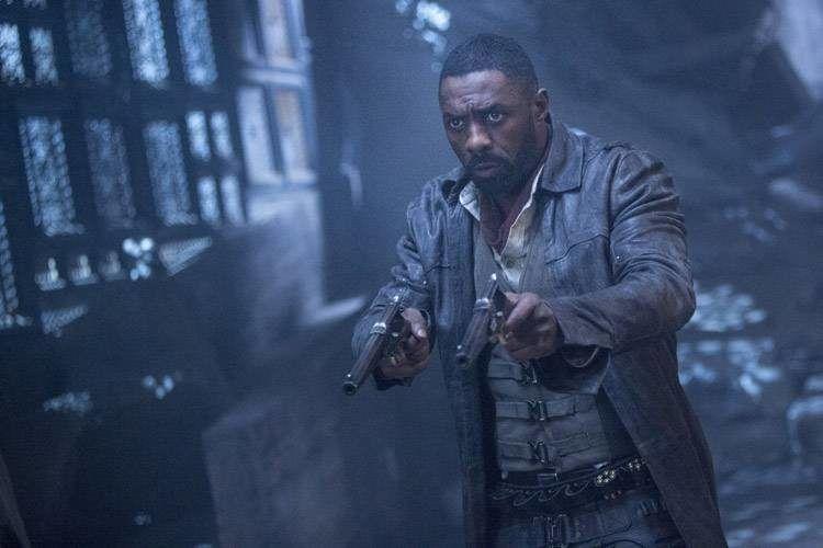Idris Elba es el pistolero que lucha por el bien