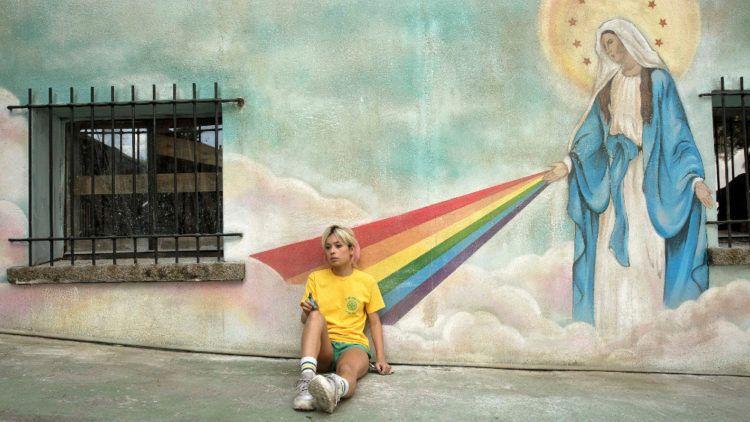 Susana (Anna Castillo) con la bajona