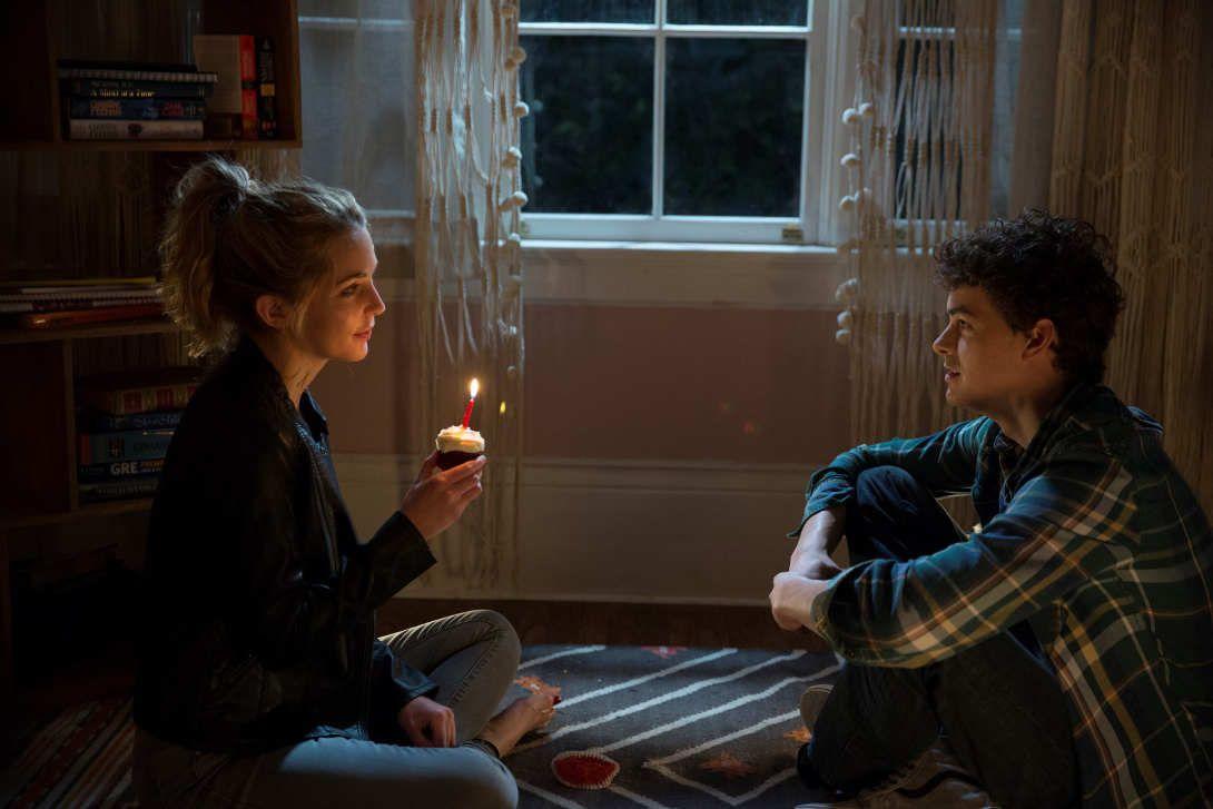 Israel Broussard y Jessica Rothe son los protagonistas de la cinta