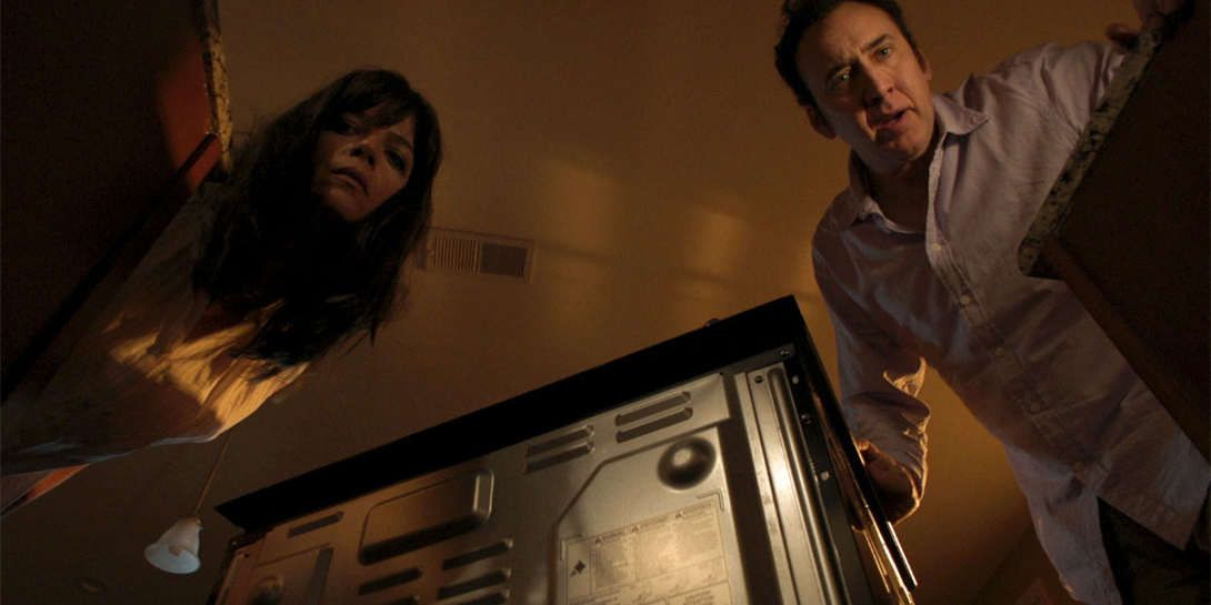 "Nicolas Cage y Selma Blair en ""Mom and Dad"""
