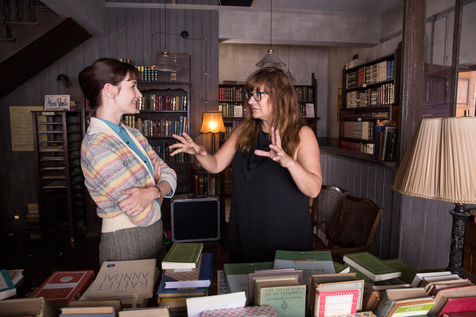 La librería - Foto durante el rodaje con la actriz Emily Mortimer y la directora Isabel Coixet