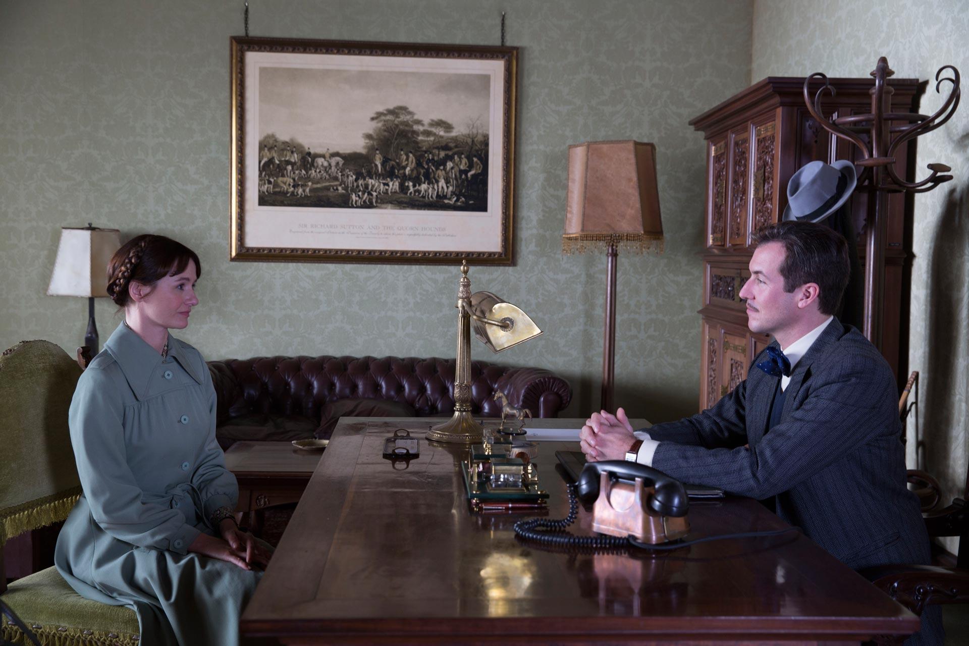 """Imagen de la película """"La librería"""" - Emily Mortimer y Jorge Suquet"""