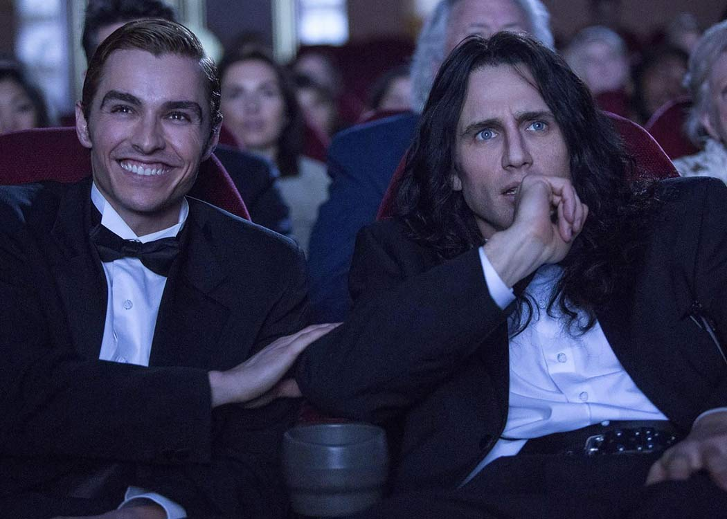 "Dave y James Franco como Greg y Tommy, respectivamente en un fotograma de la película ""The Disaster Artist"""