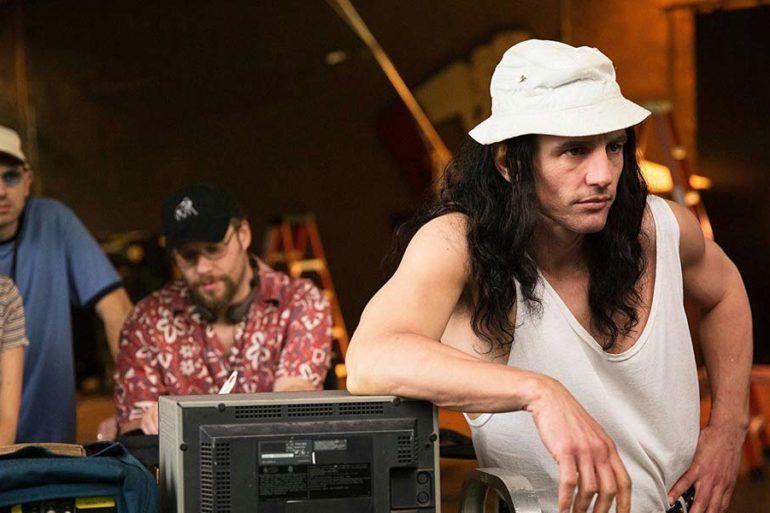 """En primer plano James Franco como Tommy y en segundo término Seth Rogen como Sandy en un fotograma de la película """"The Disaster Artist""""."""