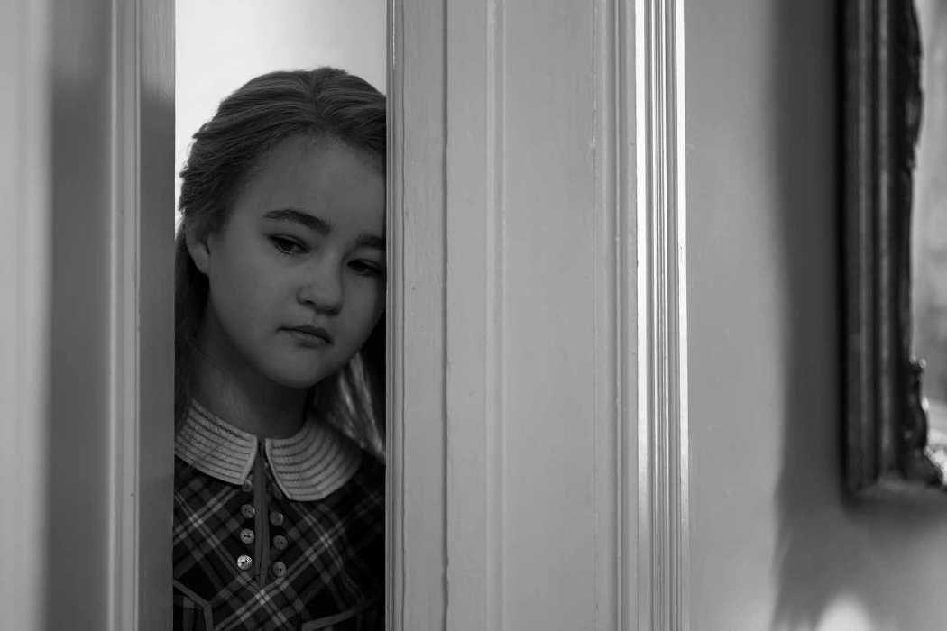 Millicent Simmonds es Rose, la niña de los años 20