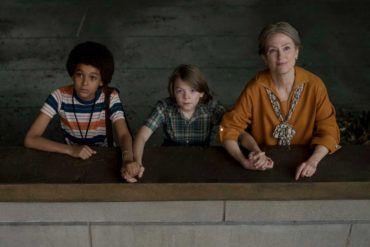 Jaden Michael, Oakes Fegley y Julianne Moore en una escena de la película