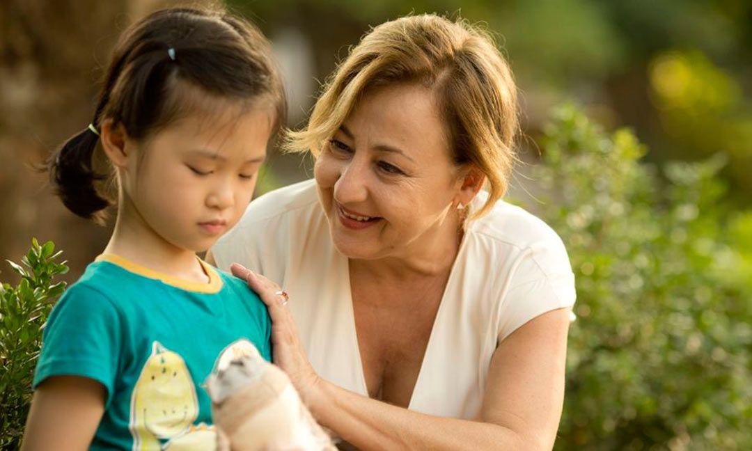 Carmen Machi es Carmen, futura abuela de una niña vietnamita