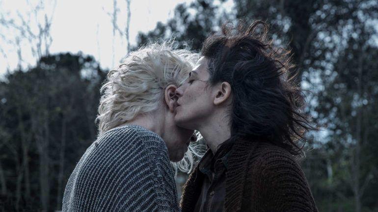 """Bárbara Lennie y Susi Sánchez en la película """"La enfermedad del domingo"""""""