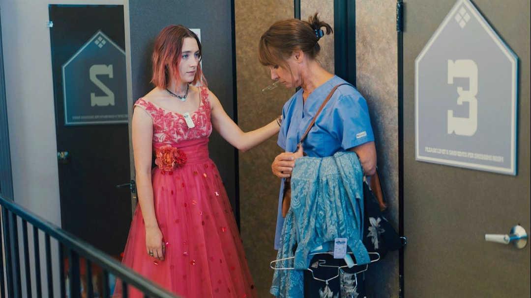 Laurie Metcalf y Saoirse Ronan hacen un equipo perfecto en la película