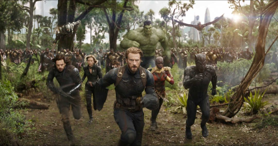 Anthony Mackie, Chadwick Boseman, Chris Evans, Danai Gurira y Don Cheadle en Vengadores Infinity War