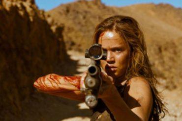 Una secuencia de la película Revenge (2017)