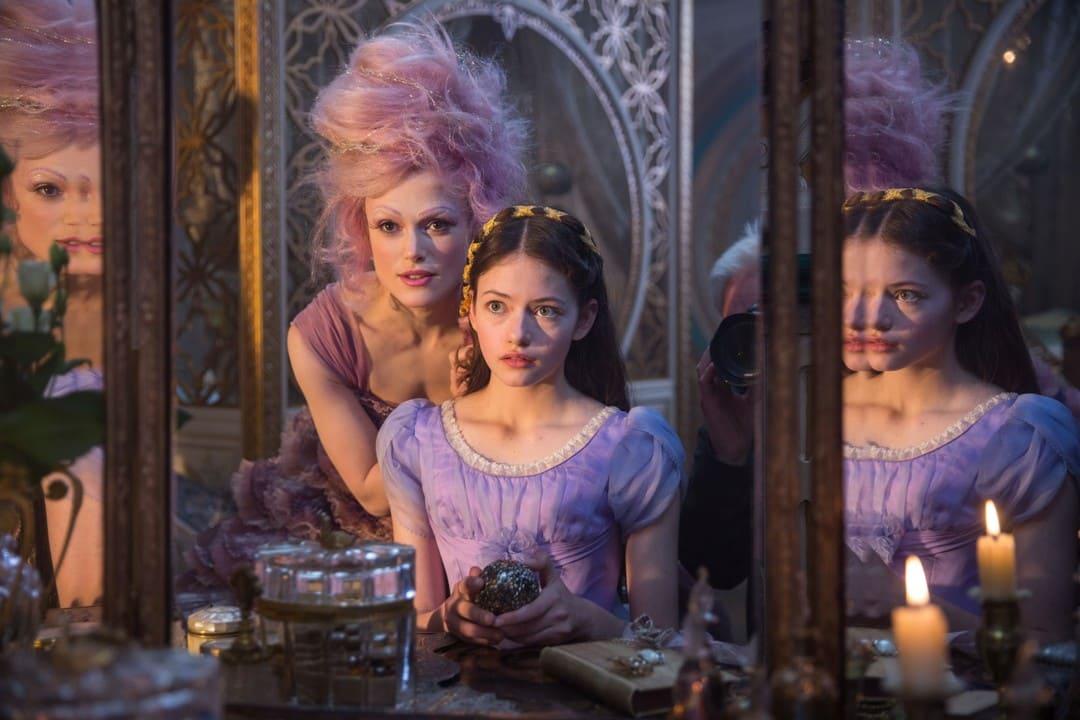 Keira Knightley y Mackenzie Foy en una escena de la película
