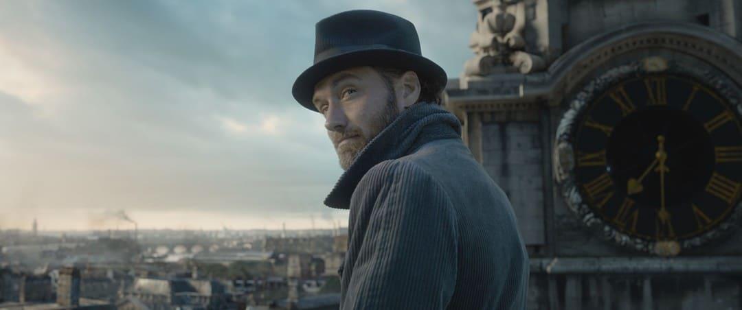 """Jude Law es Albus Dumbledore en """"Animales fantásticos 2"""""""