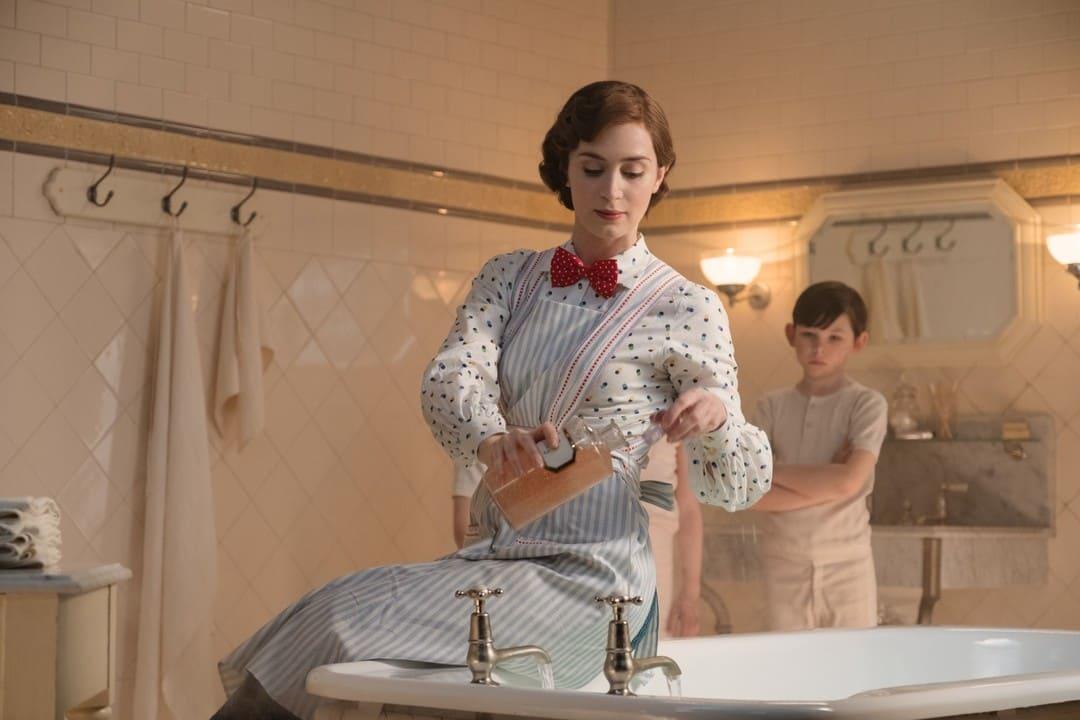 Emily Blunt en la película El regreso de Mary Poppins