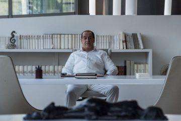 """Toni Servillo en la película """"Silvio (y los otros)"""""""