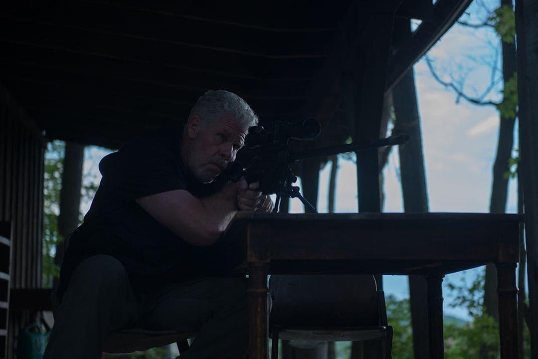 Ron Perlman en una escena de la película